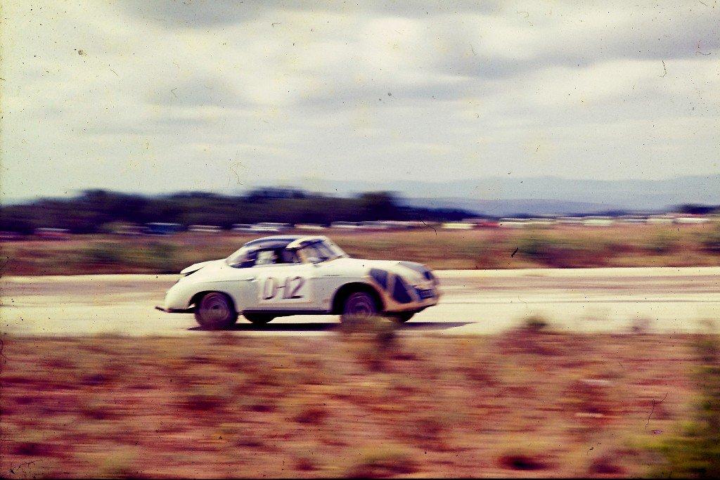 Porsche Speedster racing.jpg