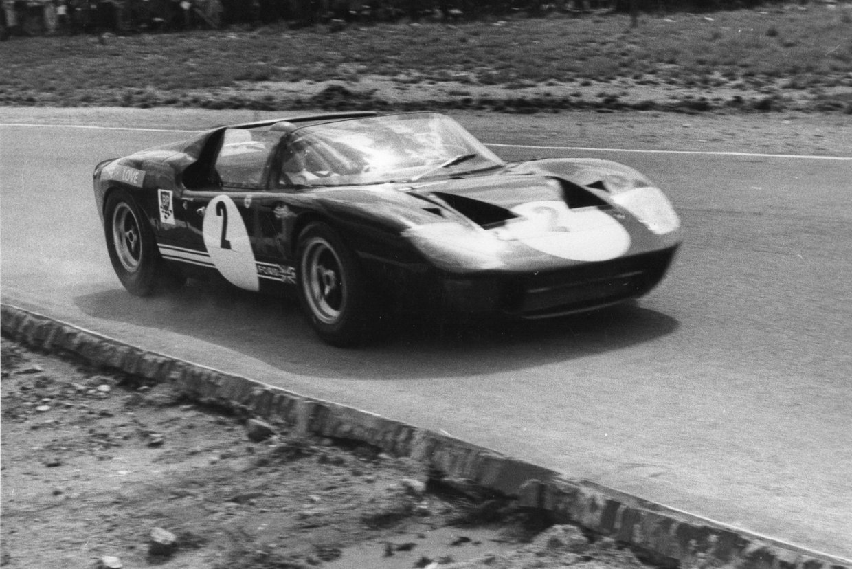 SA-race890.jpg