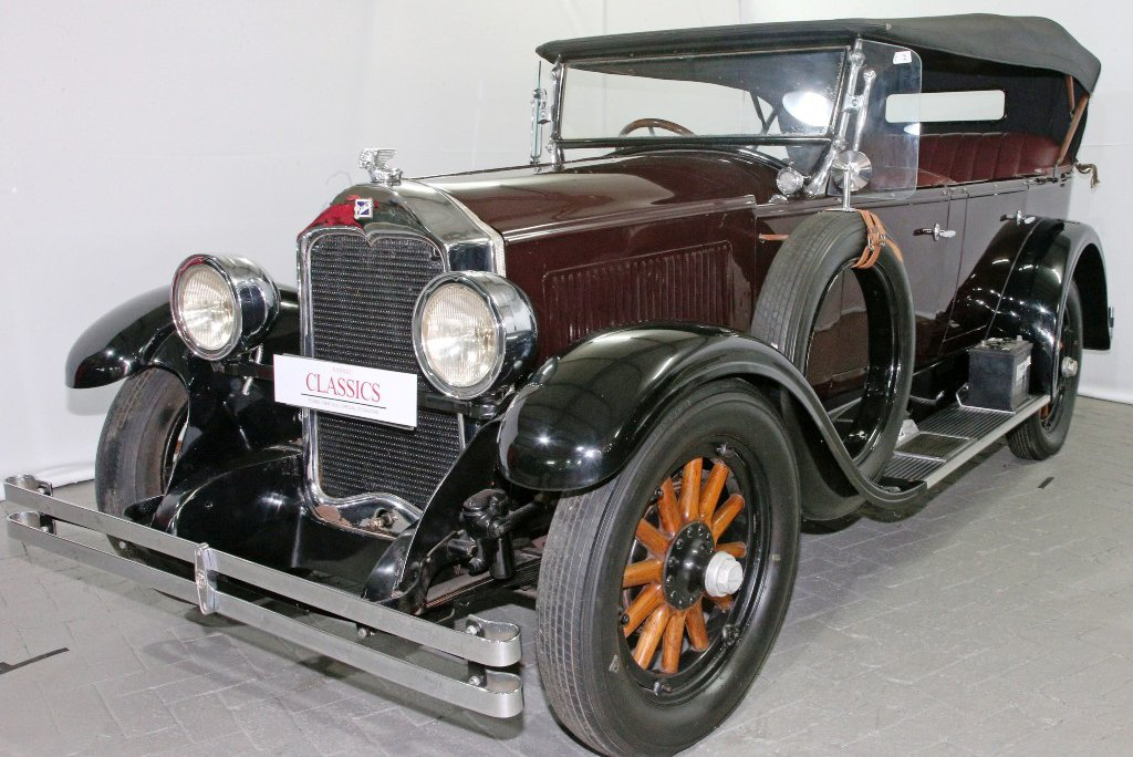 The-hammer-fell-at-R370-000-on-this-1928-Buick-Convertible-2.jpg