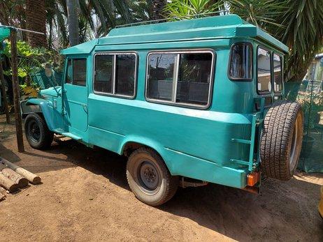 Toyota Land Cruiser camper (15).jpg