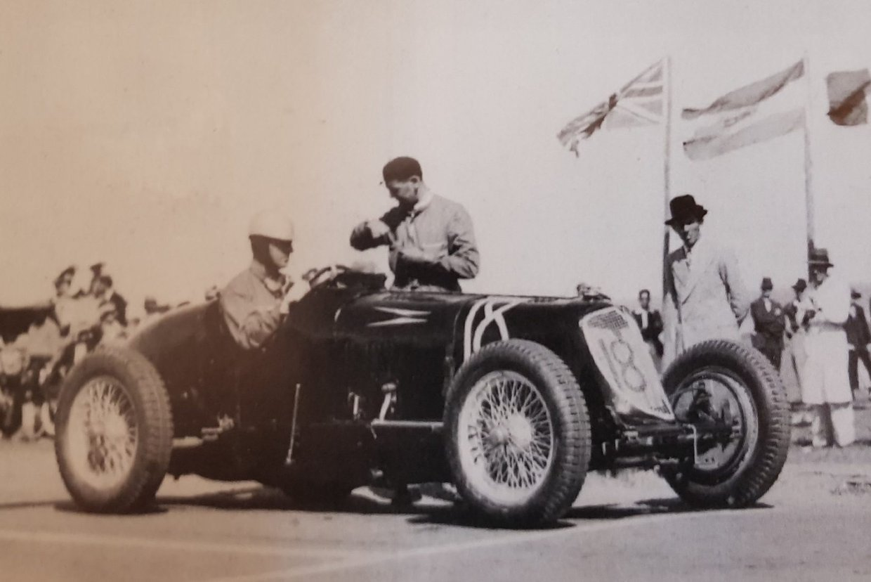 Whitney-Straigh-and-the-legendary-Giulio-Ramoni-wait-for-the-start-of-the-1934-race.-1.jpg