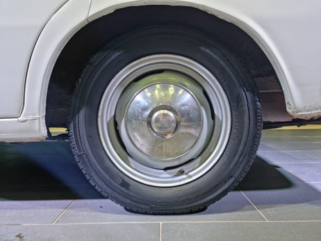 fugbav_LOT000105_Toyota_Corona_16.jpg