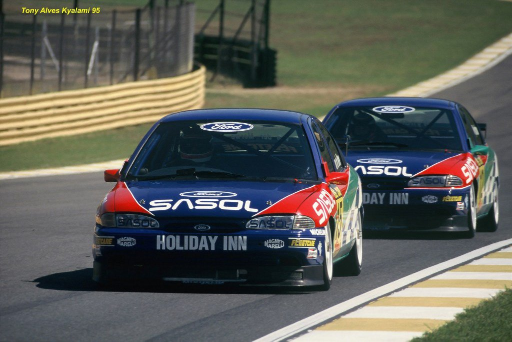 sarel-leading-steve-wyndham-in-ford-mondeos-in-fleetcare-sa-touring-cars-in-95_1800x1800.jpg