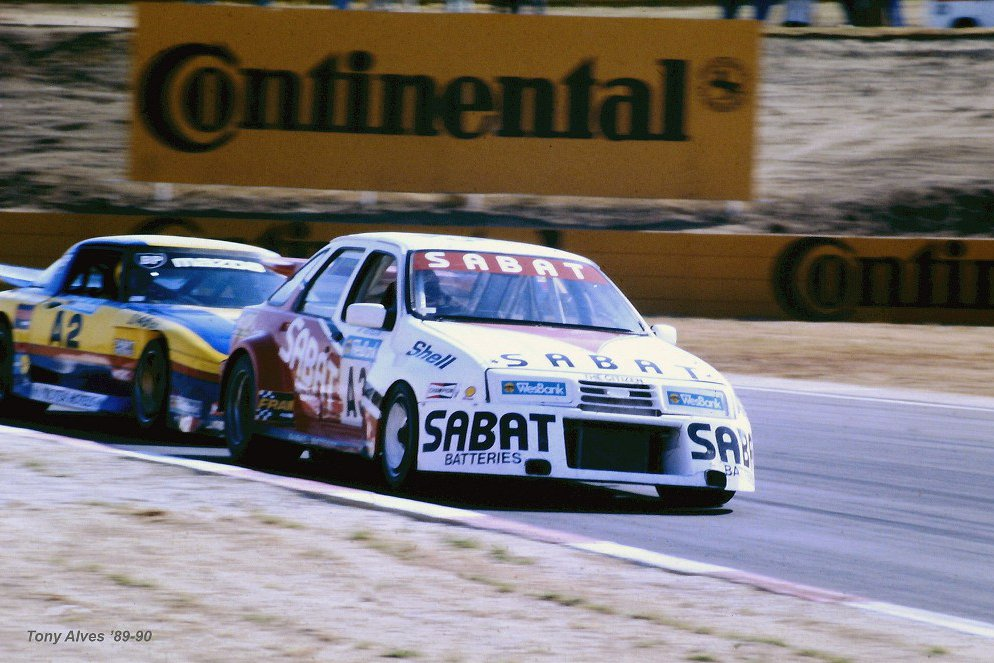 willie-hepburn-in-the-animal-leads-ben-morgenrood-at-kyalami-89_1800x1800.jpg